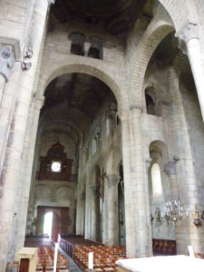 St.Saturnin 身廊