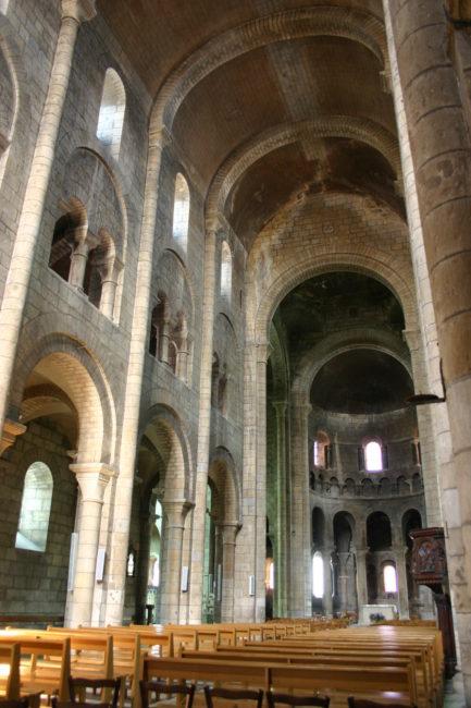 Neversの身廊
