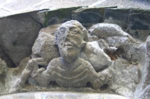 Chamalieres sur Loire 扉口彫刻