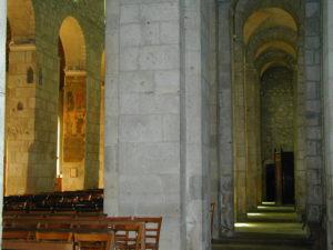 Ebreuil 側廊