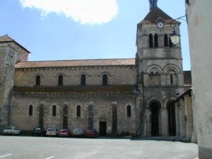 Ebreuil 教会堂側面