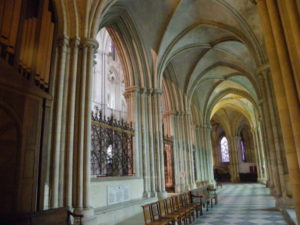 Caen / St.Etienne 周歩廊