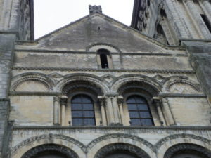 Caen / Le Trinite 教会堂正面