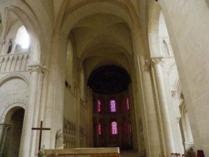 Caen / Le Trinite 内陣