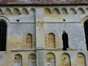 Thaon 窓