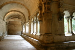 Montmajour 回廊
