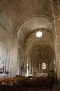 St.Restitut 身廊