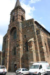 St.Paulien 教会堂正面