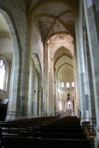 St.Menoux 身廊