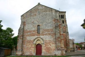 Agonges 教会堂正面