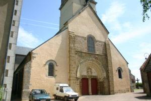 Cervon 教会堂正面