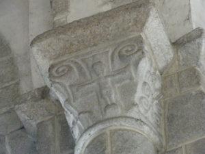 Loctudy 柱頭彫刻