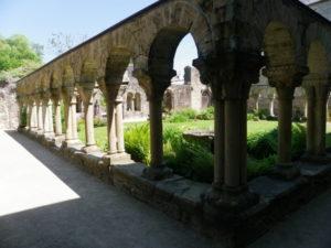 Daoulas 回廊