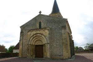 Mars sur Allier 教会堂正面