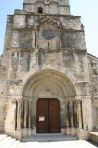 Cruas 教会堂正面