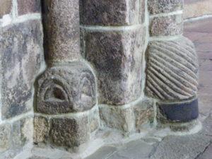 Priziac 柱台座彫刻