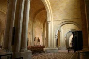 Lescar 側廊