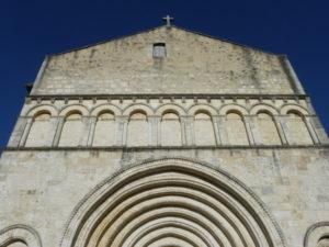 St.Privat des Pres 教会堂正面