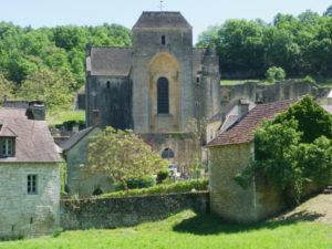 St.Amand de Coly 全景