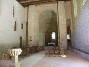 St.Leon sur Vezere 身廊