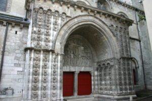 Cahorsの扉口
