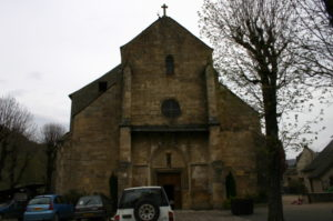 Ste.Eulalie d'Oltの教会堂正面
