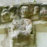Le Douhetの扉口彫刻