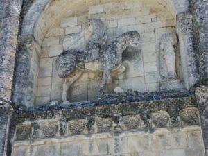 Chateauneufのファサード彫刻