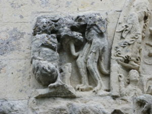 Nuailleの扉口彫刻