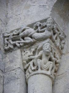 Corme Ecluseの柱頭彫刻
