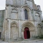 Corme Royalの教会堂正面