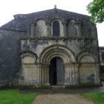 Le Douhetの教会堂正面