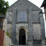 Chauvignyの教会堂正面
