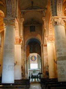 Civauxの身廊