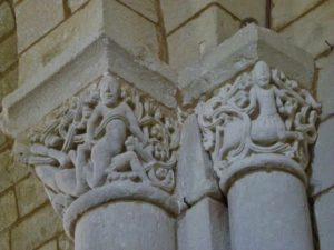 Plassacの柱頭彫刻