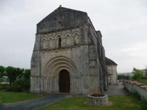 Marignacの教会堂正面