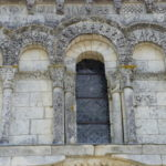 Echillaisのファサード窓