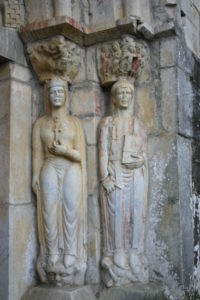 St.Just de Valcabrereの扉口彫刻