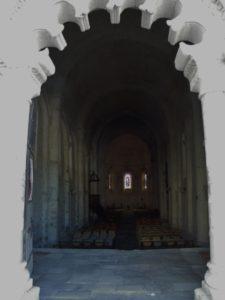 Montmoreau St.Cybardの身廊