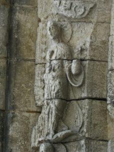 Pont l'Abbe d'Amoultのアーキボルト