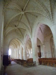 Corme Royalの側廊