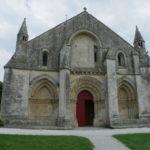Aulnayの教会堂正面