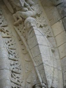 Aulnayの窓彫刻