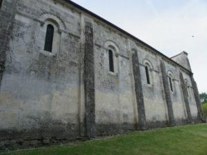 St.Amant de Boixeの教会堂側面