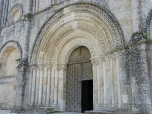 St.Amant de Boixeの扉口