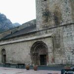 Villefranche de Conflentの教会堂側面