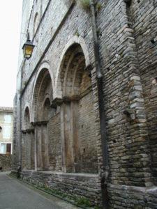 St.Pons de Thomieresの教会堂側面