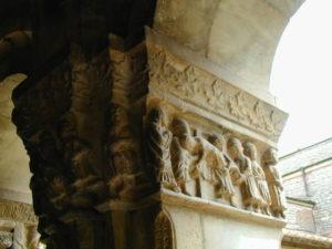 Elneの回廊彫刻