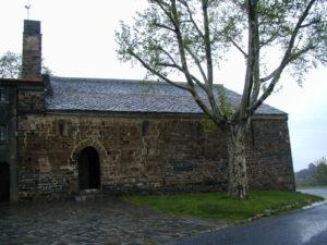 Prunet et Belpuigの教会堂側面