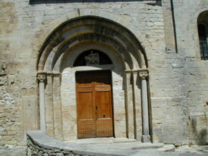 St.Martin de Londresの扉口